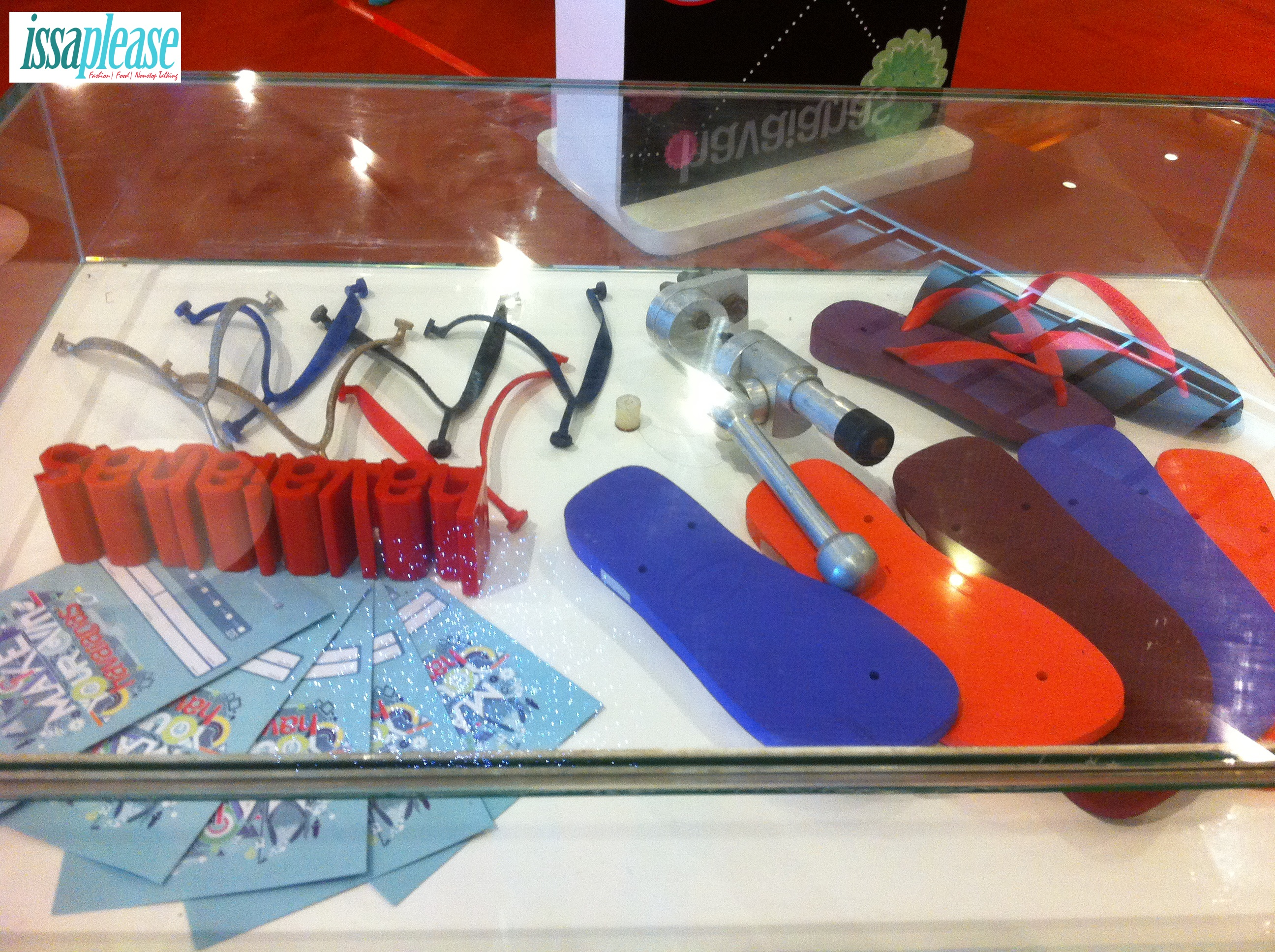 Make Your Own Havaianas 2013 (From the working lines)