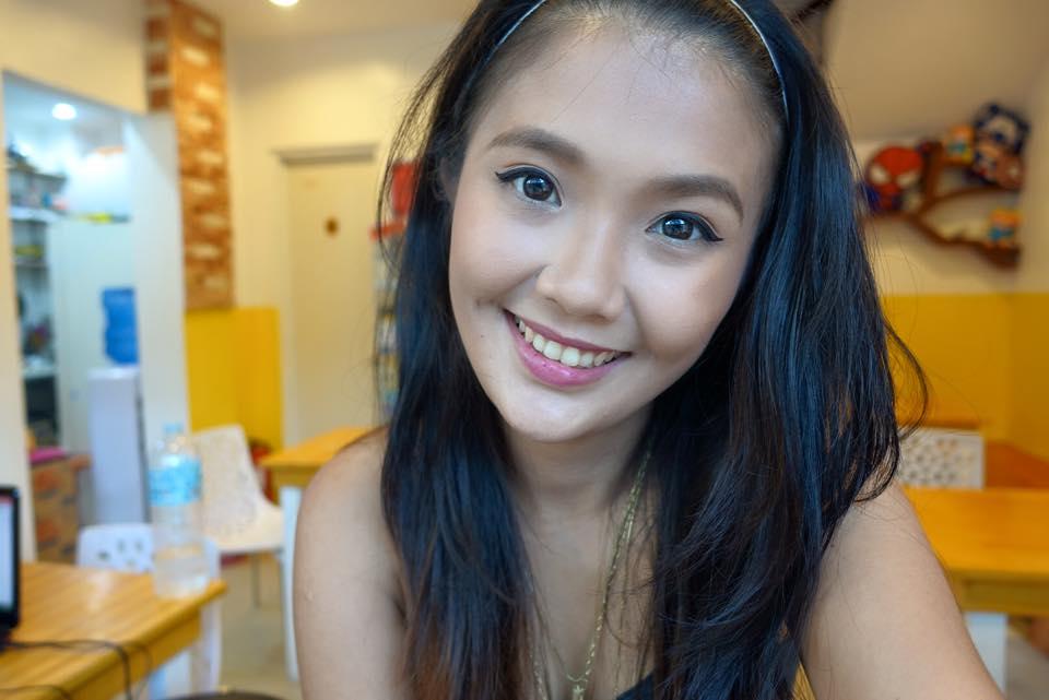 How I Do My Make Up feat. Dara Beauty Market